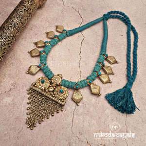 Tribal Chatai In Green Tbread Necklace