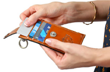 Load image into Gallery viewer, Ladies Kensington Wallet with Keyring