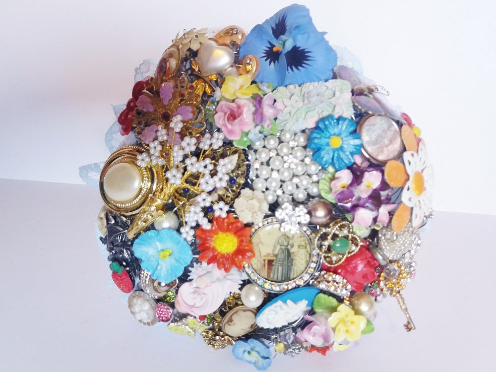 Beautiful Vintage Flower Brooch Keepsake Bouquet- In-Stock