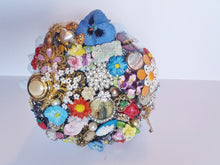 Load image into Gallery viewer, Beautiful Vintage Flower Brooch Bouquet Keepsake- In-Stock now! - Bridal Crystal Bouquets