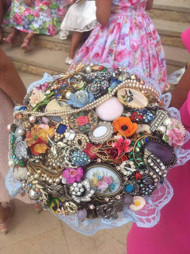 Cassie Vintage Brooch Bouquet for a vintage wedding
