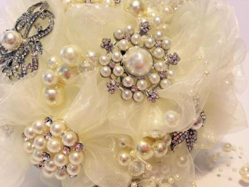 Vintage Pearl Brooch Wedding Bouquet - Bridal Crystal Bouquets
