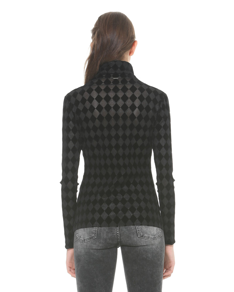 Turtleneck with diamond pattern