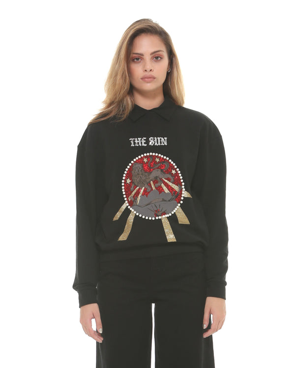Sweatshirt with front decoration