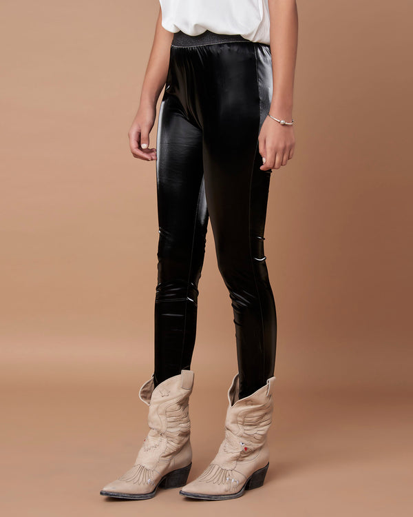 Vinyl leggings with elastic waistband