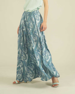 Long  skirt with paisley pattern