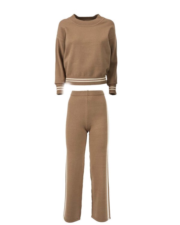 Set trousers and sweater