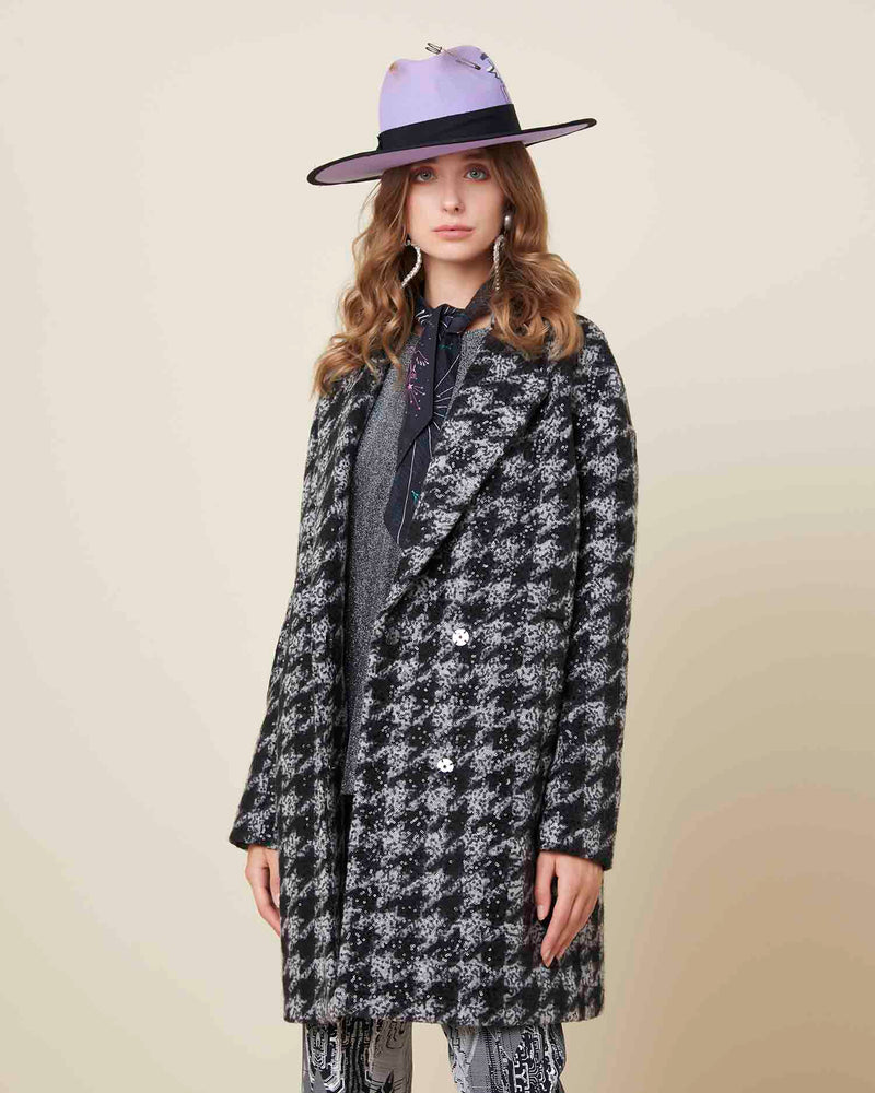 Wide houndstooth coat