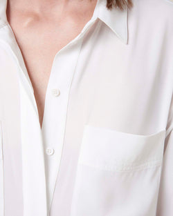 Soft shirt with frontal pockets
