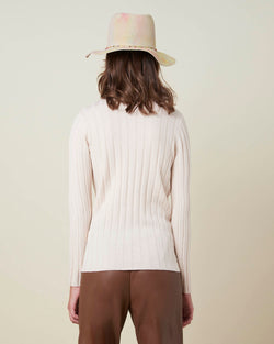 Wide weft turtleneck sweater