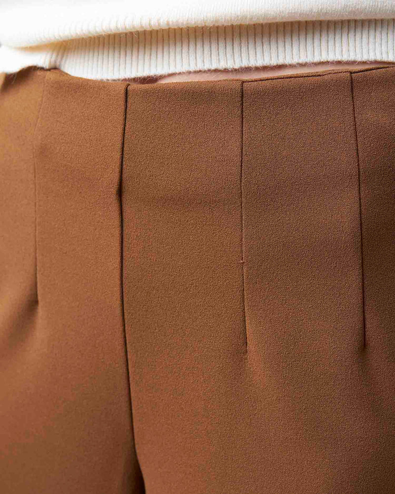Culotte trousers with soft fabric
