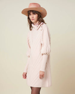 Knitted dress with puff sleeves