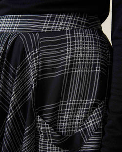 Skirt with check pattern