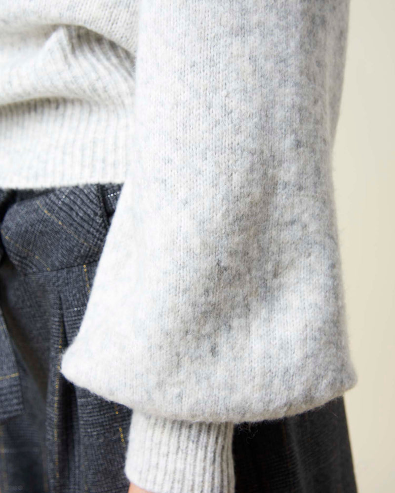 Sweater with ball sleeves