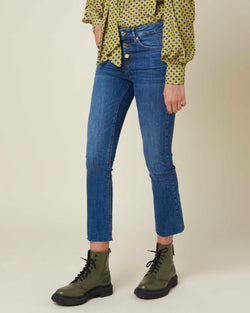 Cropped jeans three button closure