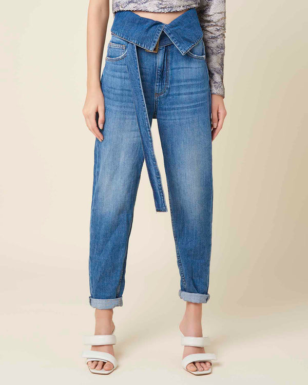 Baggy jeans with waisted rever