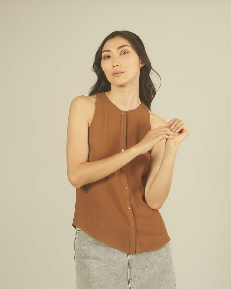 Blouse with press struds
