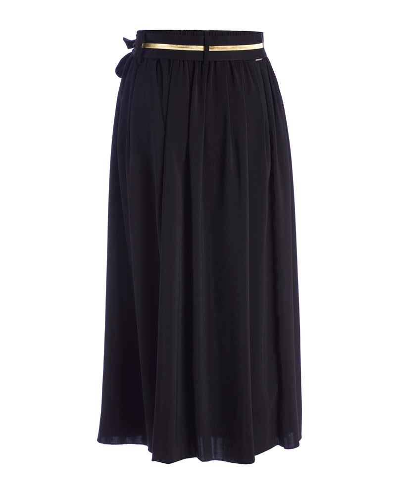 Full skirt with knotted belt