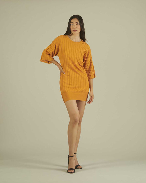 Fitted dress with bell sleeves