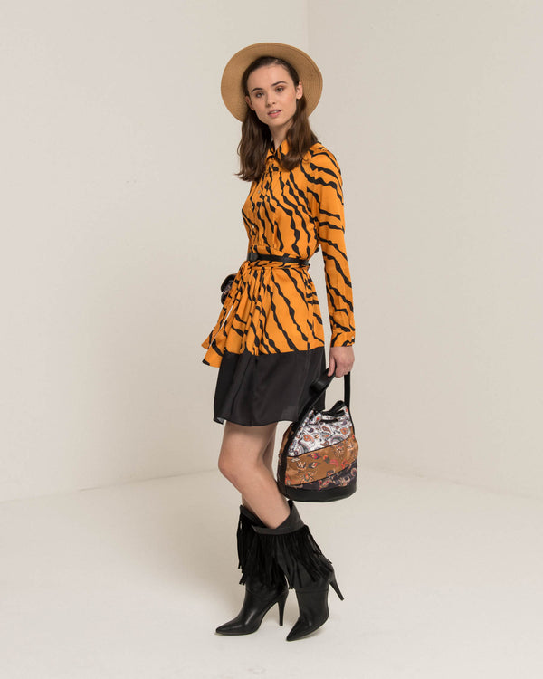 Satin dress with animalier pattern