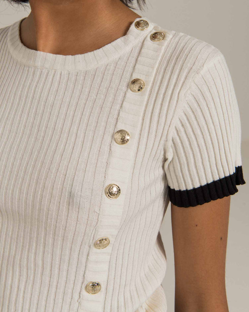 Knitted t-shirt with buttons