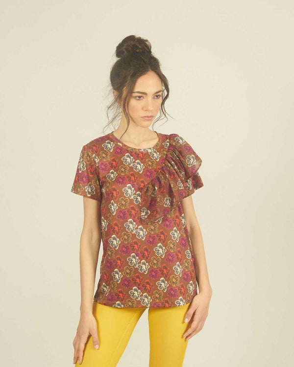 Flower printed t-shirt with flounce