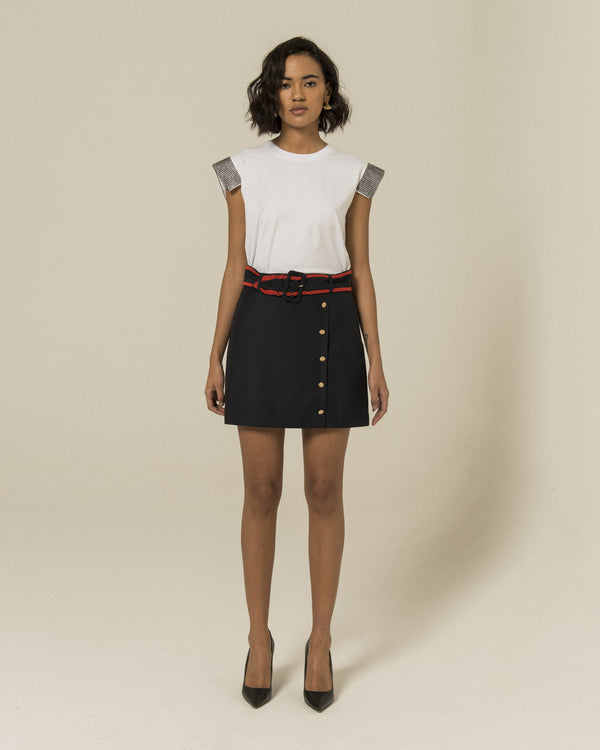 Skirt with detailed belt
