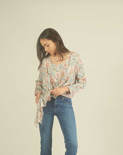 Flower knotted blouse