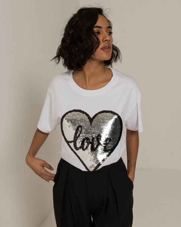 T-shirt with sequin heart