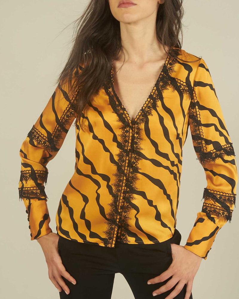Lace animal pattern blouse