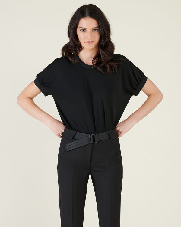 Over t-shirt with puff sleeves