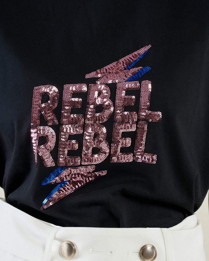 T-shirt with sequins writing