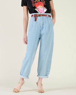 Balloon effect jeans