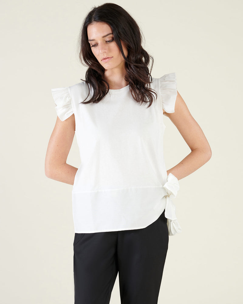 T-shirt with volant and bow