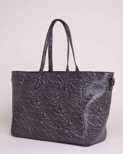 Rigid shopper bag with inner purse