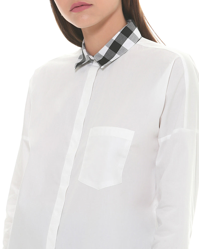 Shirt with check collar