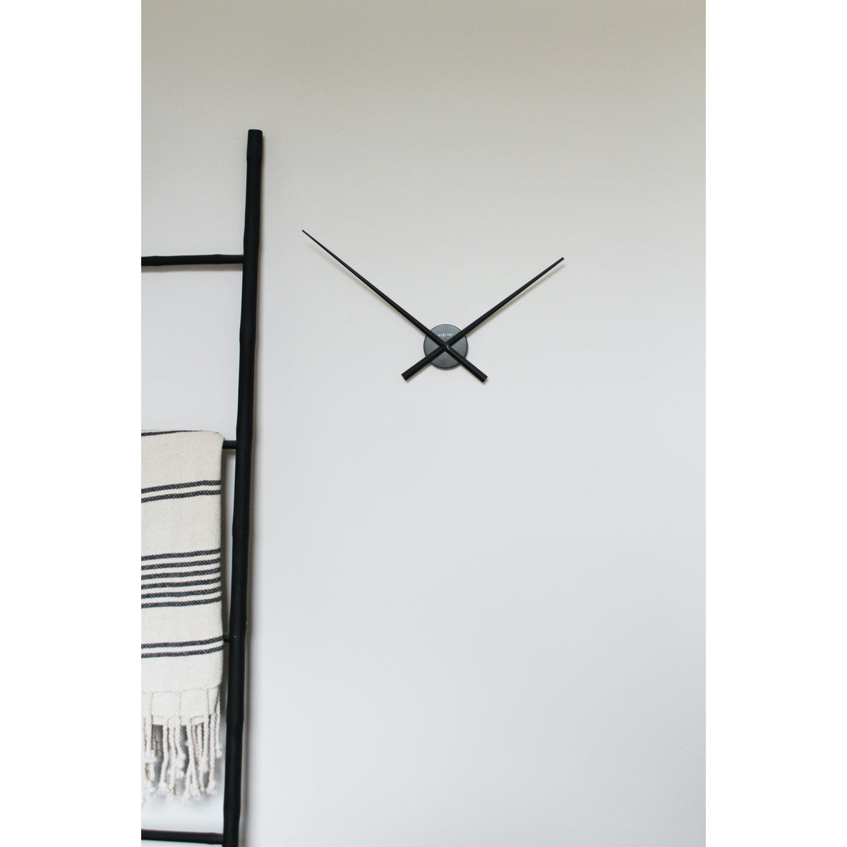 NeXtime - Wall clock – Ø 70 cm -  Aluminum - Black- 'Hands'