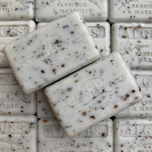 Load image into Gallery viewer, seaweed exfoliating french soap