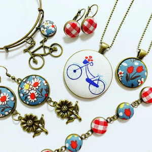 Fabric Button Workshop: Tis the Season - November 3 Morning Class - Total Wine & More