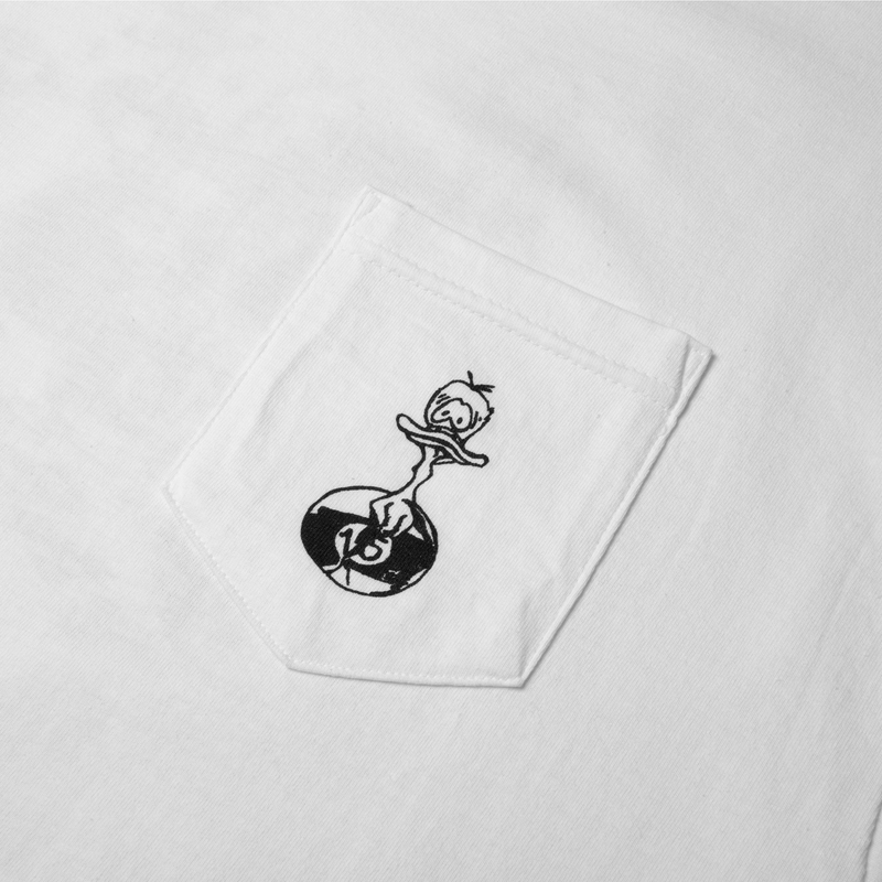 DUCKS IN A ROW POCKET TEE WHITE