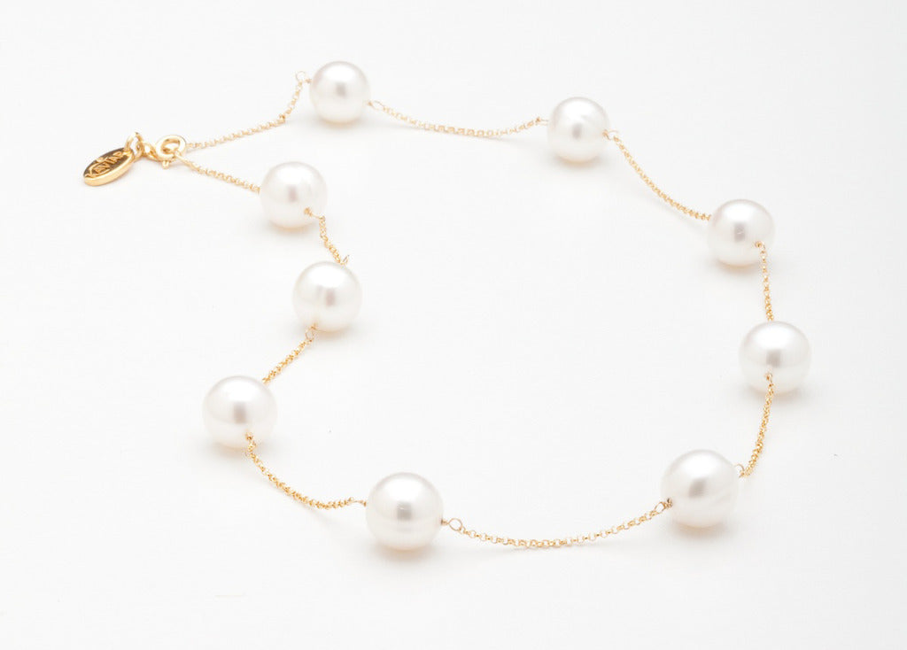 White Orbit Necklace