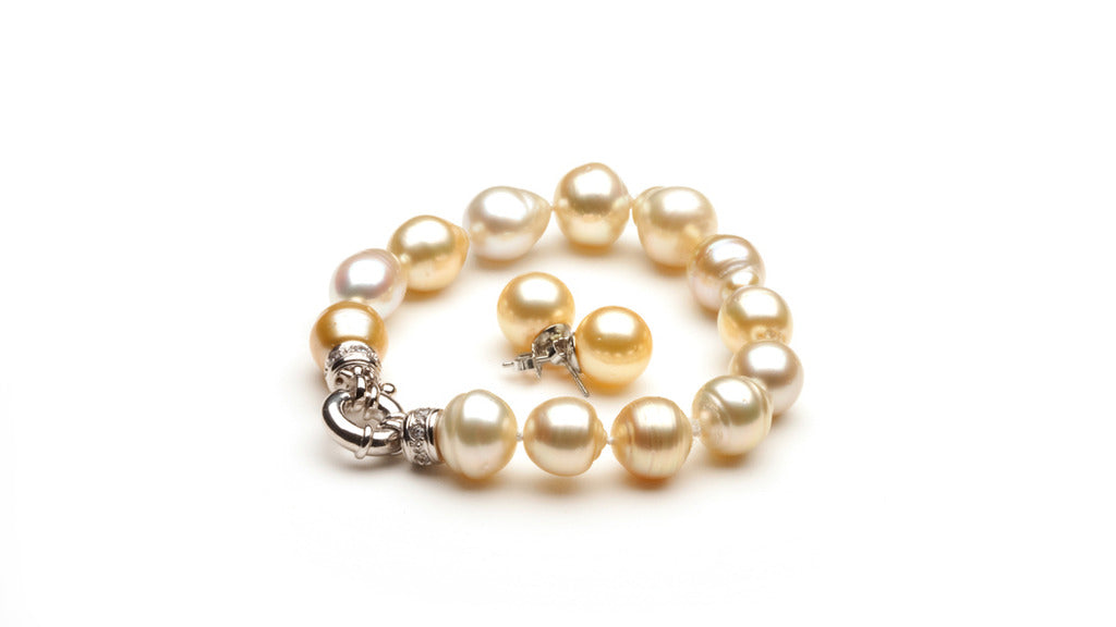 Champagne Circled South Sea Bracelet