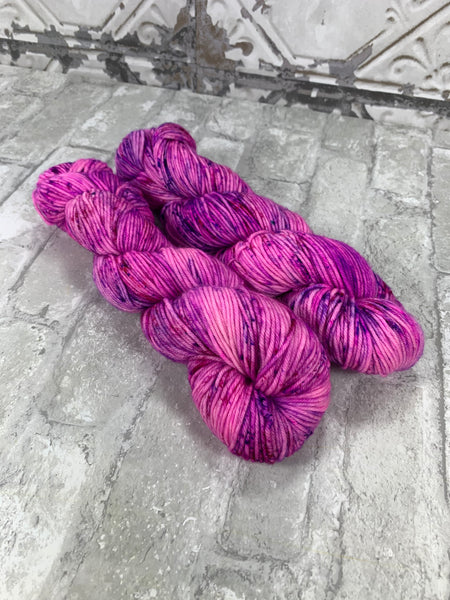 Unicorn Universe on King on heavy dk/light worsted weight yarn
