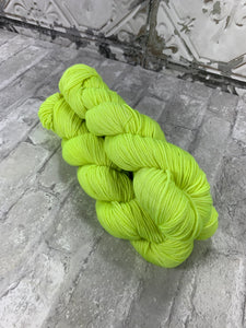 Lumos Maxima on King on heavy dk/light worsted weight yarn