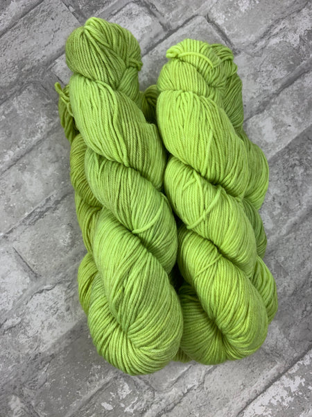 Lime In The Coconut on King on heavy dk/light worsted weight yarn