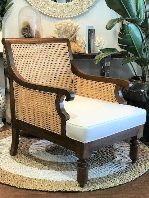 Colonial Lounge Chair