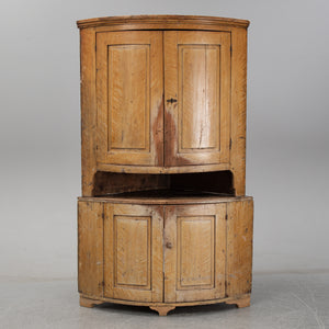18th century Swedish corner cupboard