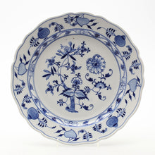 Load image into Gallery viewer, Fabulous blue and white Missen plate c1900