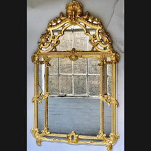 Load image into Gallery viewer, 18th century French carved gilt wood