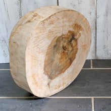 Load image into Gallery viewer, Rustic log chopping board